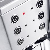 従来の手動式エスプレッソ・カプチーノメーカーにはなかった設定が可能に。