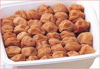 味付けの梅は好きじゃないという方に、完全無添加白干しの『百薬の一粒』がお勧めです。