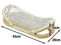 三日月型は頭を乗せる部分が低くなっているため、ゆったりと寝ることができます。