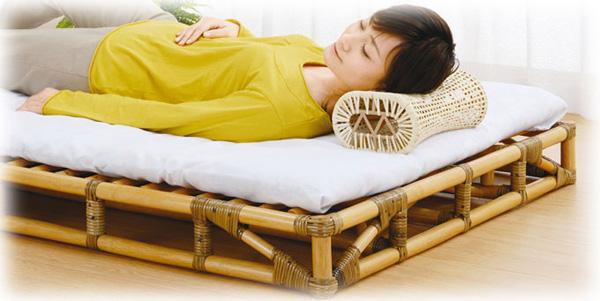 ぐっすり眠りたい方へ。「すのこ」構造の籐ベッド