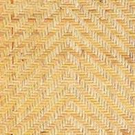熟練した職人が、1本ずつ丁寧に編みこんだ網代編み。